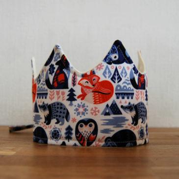 Couronne Douceurs d'hiver, motifs animaux tons bleus rouges
