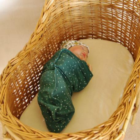 Bébé dans son couffin